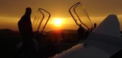 Sonnenuntergang auf dem ältesten Flugplatz der Welt